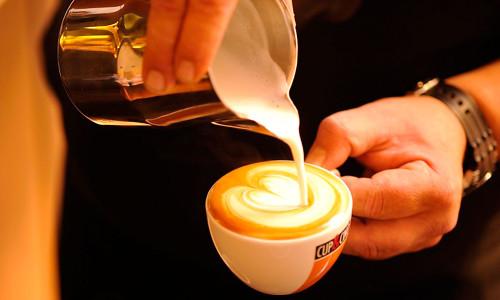 CupCino_Latte-Art-Elli-Herz